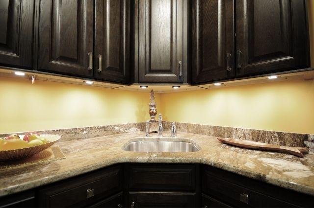 under cabinet lighting in the kitchen